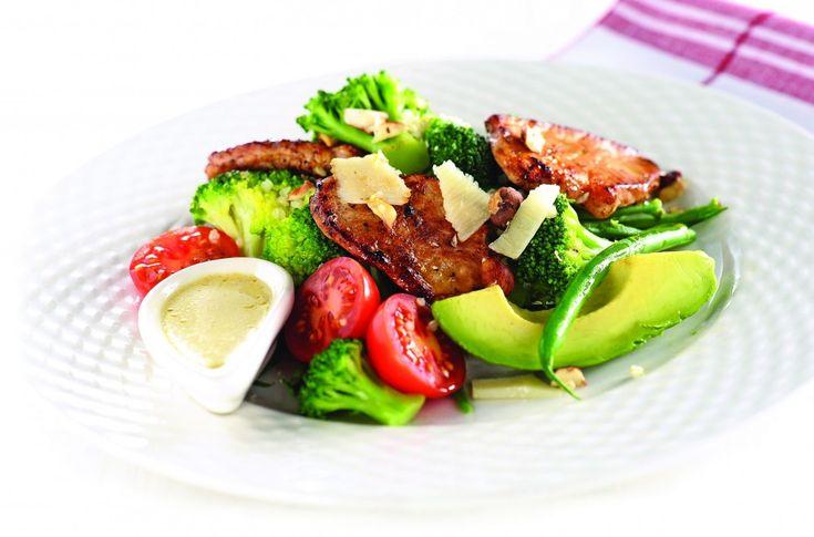 Svinefilet med grønnsaker og sennepsdressing