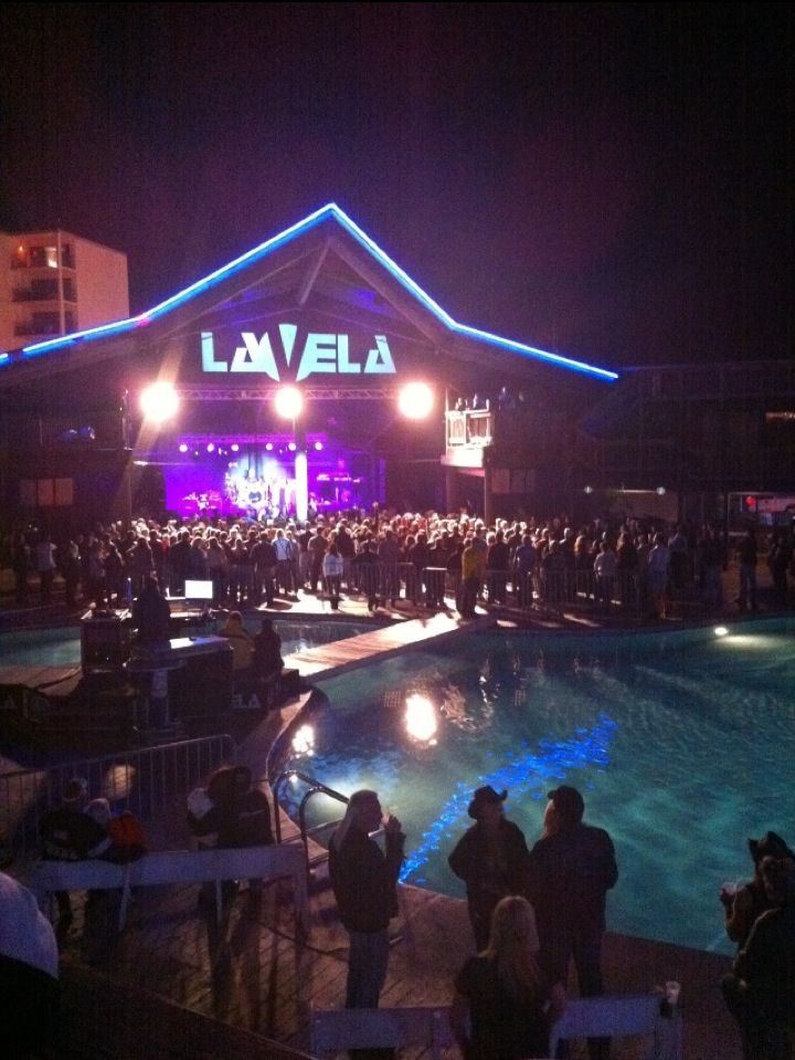 Club La Vela is not only the largest nightclub in the USA, it is also one of the trendiest and most respected nightclubs in the world.