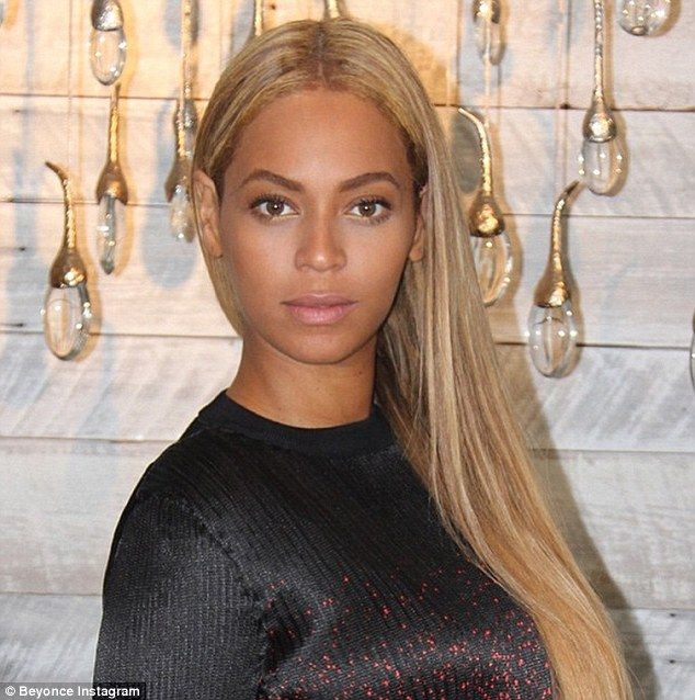 Beyonce highlights shapely curves in pencil skirt and crop top in NY | Beyonce hair color, Beyonce hair, Beyonce blonde