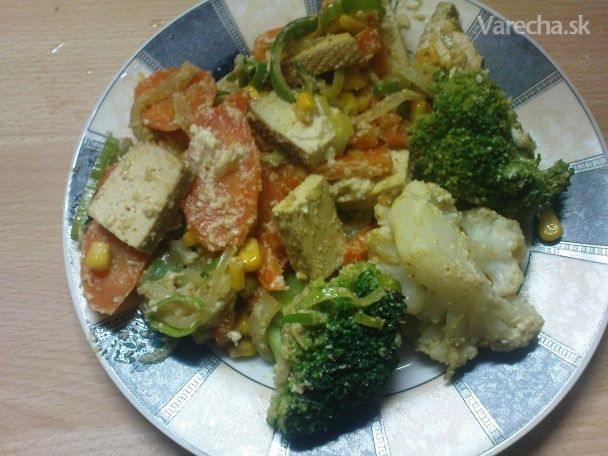 Údené tofu na zelenine