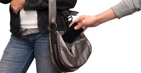 Những cách đề phòng bị cướp giật trên đường du lịch