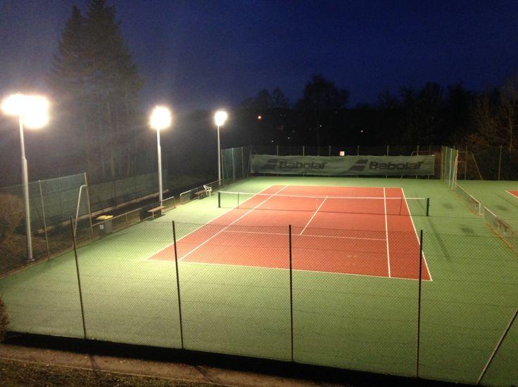 Les 27 meilleures images du tableau projectio sport for Eclairage court de tennis exterieur