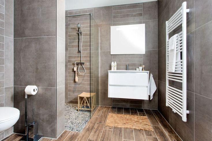 Stoere landelijke badkamertegel google zoeken badkamer pinterest showroom van and met - Badkamer in lengte ...