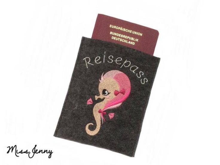 ♥ Reisepass-Hülle Wollfilz anthrazit SeaStars ♥ von MissJenny auf DaWanda.com