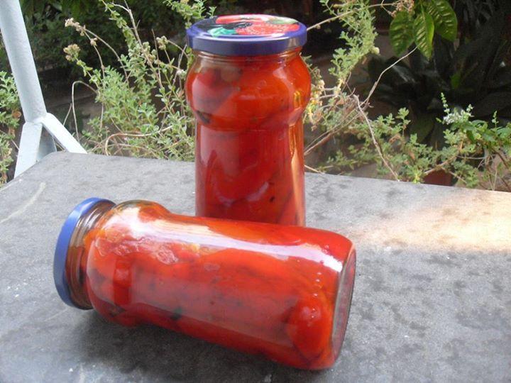 Πιπεριές Φλωρίνης σε βάζο . ~ ΜΑΓΕΙΡΙΚΗ ΚΑΙ ΣΥΝΤΑΓΕΣ