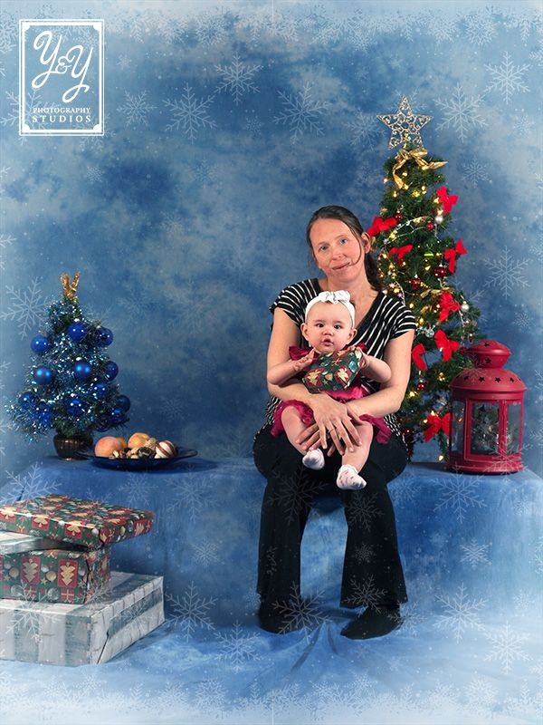Hurry into Y&Y Photography Studios for your Christmas portrait session. Time is running out! Our Christmas Portrait Special includes 3 poses for just $60 in a digital package! That's $30 off regular pricing. We don't charge sitting fees, so those package prices are all you pay in the studio. We are open from 11am-4pm Mon-Fri and 10am-4pm Sat at 4724-50 Ave on the main street of Legal, AB! Call us at 780-961-3100 or visit http://cyclopsphoto.com for more details.