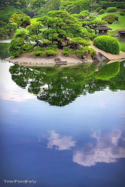Koraku-en, Okayama, Japan: photo by *WindyLife on deviantART - this is so beautiful it makes makes me ache