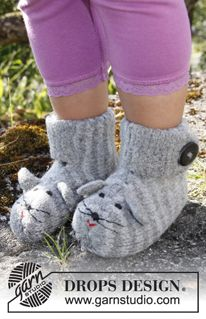 "Mizie - Felted DROPS mouse slippers in ""Alaska"". - Free pattern by DROPS Design"