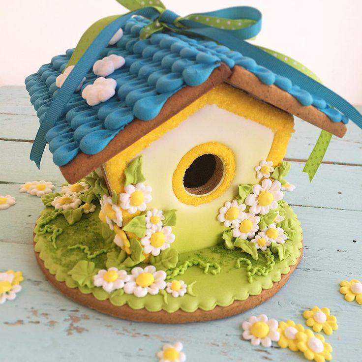 Вдохновилась работами известных пряничных мастериц - так родился этот домик. Дом с маргаритками для Маргариты