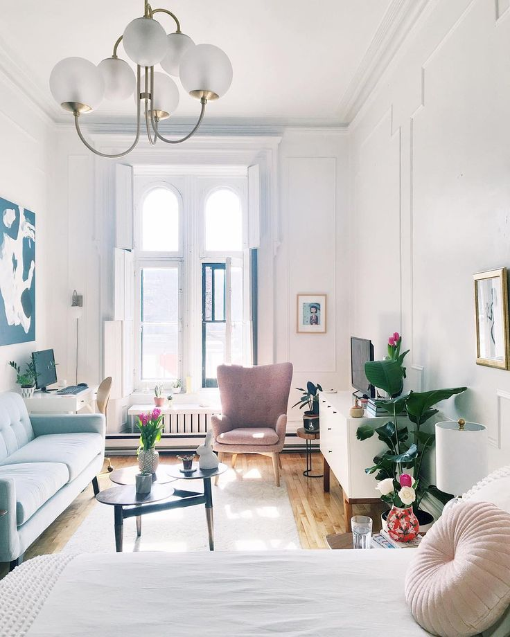 493 likes 35 comments lauren maclean livingbylo on for Studio apartment solutions