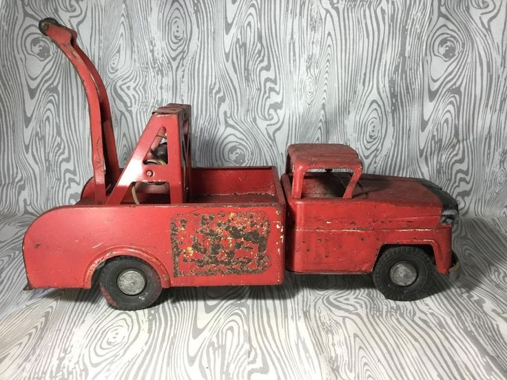 VINTAGE MARX METAL ALLSTATE WRECKER TOW TRUCK For sale now! http://ebay.to/2t2pjom