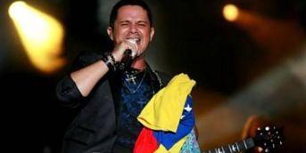 """Alejandro Sanz insta a rechazar la Constituyente que quiere imponer Maduro VENEZUELA.-Cuando faltan tan solo horas para la """"elección"""", el cantante español, Alejandro Sanz instó a sus seguidores a desconocer la Constituyente cubana que el presidente Nicolás Maduro quiere imponer."""