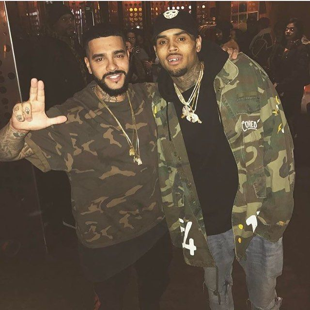 Chris and @timatiofficial in NY (1/10/17) @chrisbrownofficial #chrisbrown #teambreezy #breezy #royalty #CB #chrianna #rihanna #love #queenroyalty