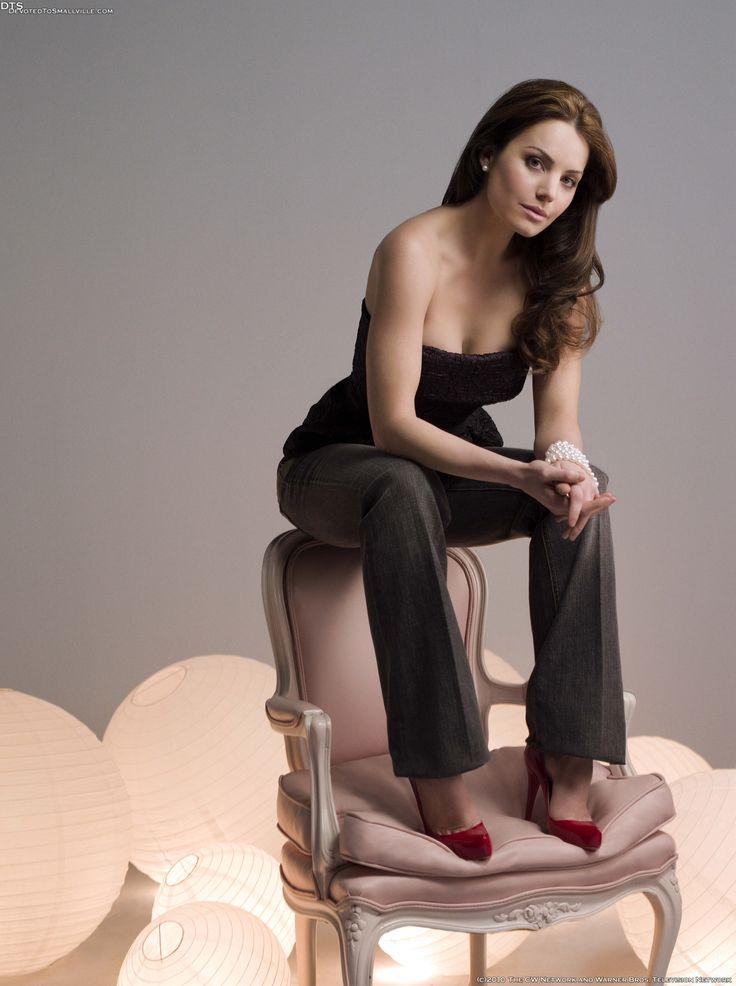 Erica Durance as Lois Lane in 'Smallville' Season 8