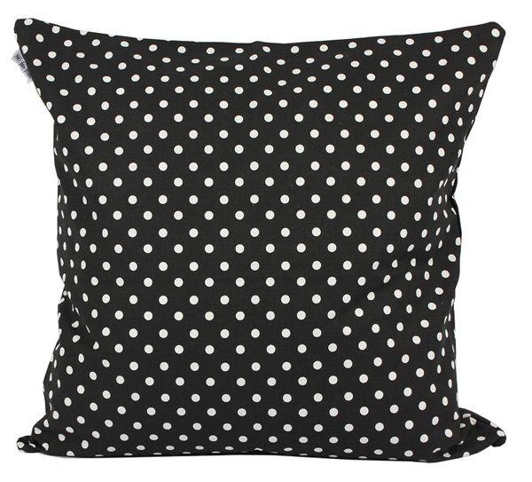 """Fräscha kuddfodral med ett prickigt mönster. """"Prunkande Trädgård"""" är namnet på vår textilkollektion av designern Julia Staszewska."""