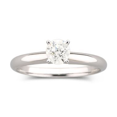 love this simple engagement ring.