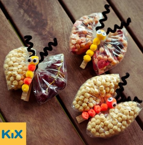 Great idea packing snacks for kids- can easily be made ahead of time for Sunday School or VBS