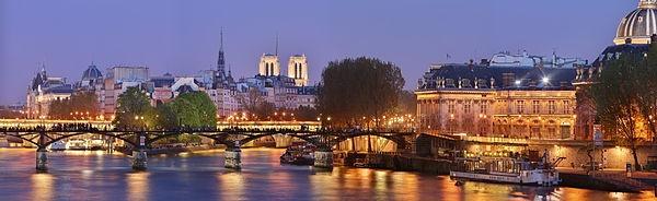 The Pont des Arts or Passerelle des Arts is a pedestrian bridge in Paris's 6th arrondissemont which crosses the Seine River.