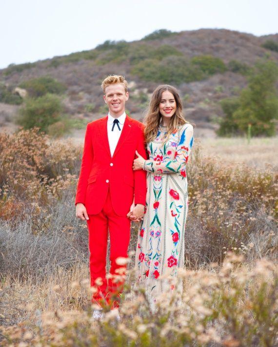 Caitlin zog einen bestickten Temperley London an, den sie zum ersten Mal auf dem Designer entdeckte …   – Lace Wedding Dresses