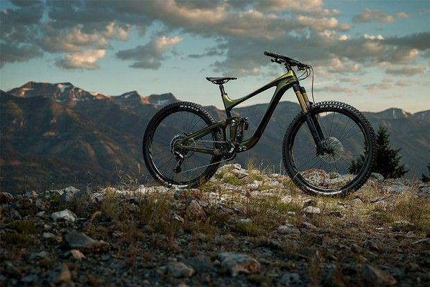 The 2020 Giant Reign Rolls On 29er Wheels And Is Rowdier Than Ever
