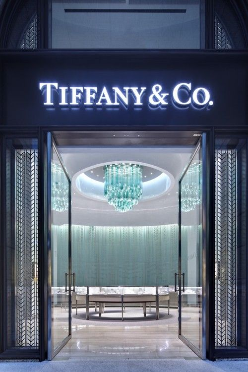Tiffany and Co. Bellavita store. Lighting by Lasvit. Newest store concept. My Northbrook store looks like this!