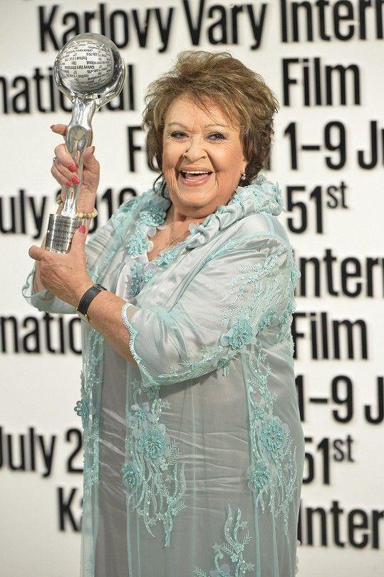 Jiřina Bohdalová převzala cenu za celoživotní dílo.