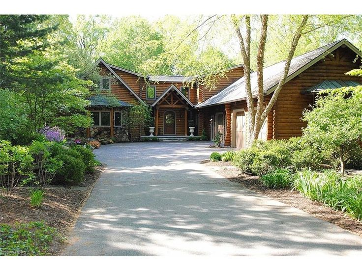 3182 Cannon Rd, Twinsburg, OH 44087 -