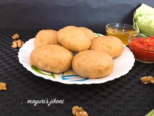 Mayuri's Jikoni: 738.Siddu/Sidku (Himachali Steamed Buns)