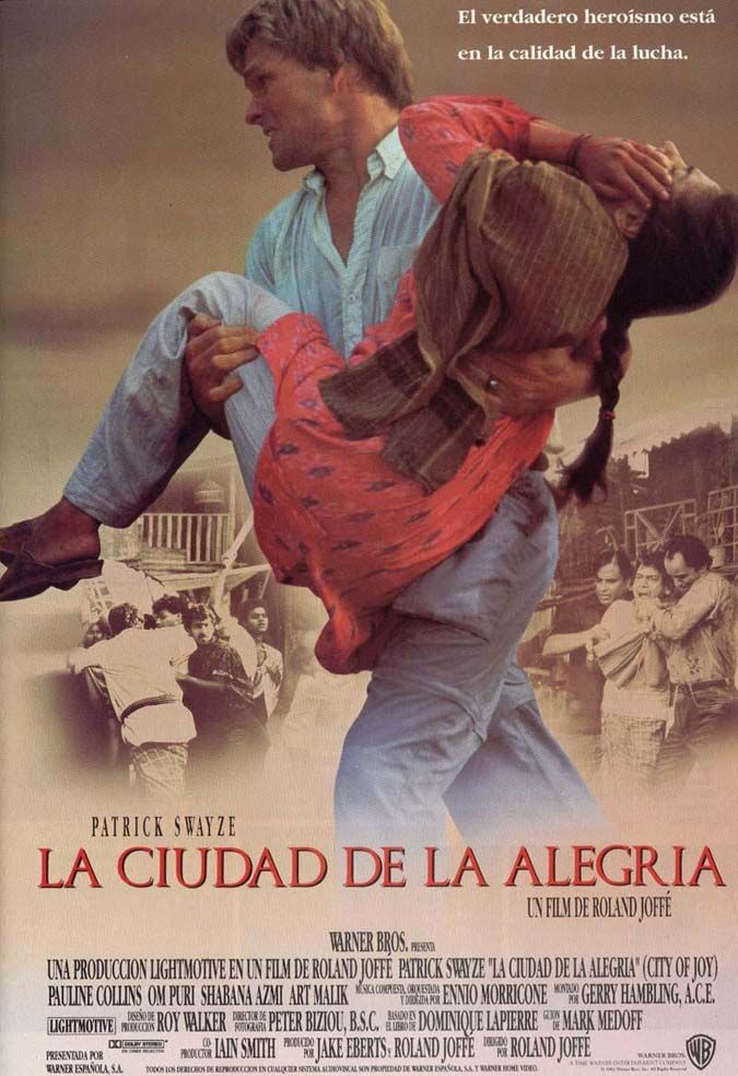 """Cine. """"La ciudad de la alegría"""" (1992). Dir. Roland Joffé. Está basada en el libro del mismo título de Dominique Lapierre. Se narran las vivencias de varios personajes en un slum (barrio de chabolas) de Calcuta.  https://www.youtube.com/watch?v=OaefjG2CZ6g"""