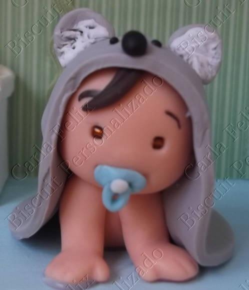 Chaveiro Bebê engatinhando com toalha
