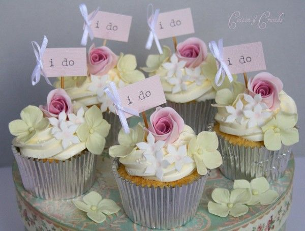 Cupcakes in bloom: Flowers Cupcakes, Boys Birthday Parties, Minis Cakes, Cupcakes Frostings, Wedding Cupcakes, Bridal Shower Cupcakes, Cups Cakes, Sugar Flowers, Cupcakes Rosa-Choqu