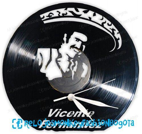 Hoy hace 75 años nace Vicente Fernández Gómez (Huentitán el Alto, Jalisco, 17 de febrero de 1940) es un intérprete de música ranchera, empresario y actor mexicano #VicenteFernandez #Idolo #Mariachis #Mexico #Chente #Rancheras #ElRey #Ranchero #CharroDeHuentitan #IdoloDelPueblo
