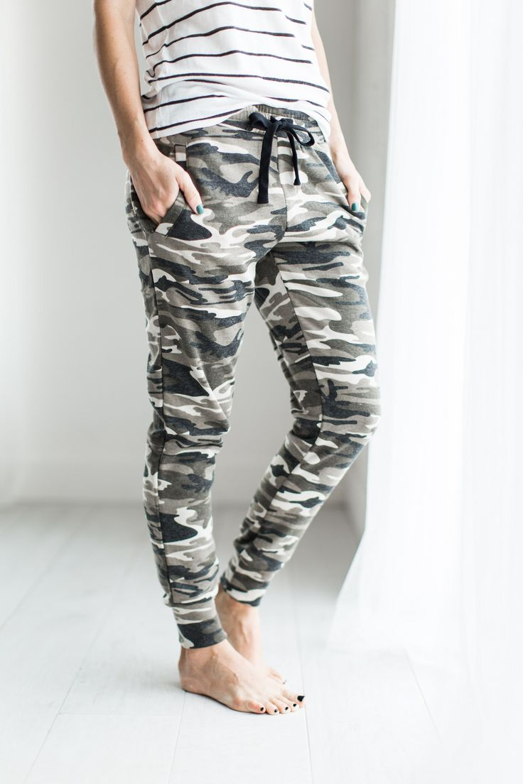Camo Comfs  //  camo, comfs, joggers, loungers, sweats, cute pants, comfort, comfy, cozy, stripe shirt, style, fashion, cute outfit, casual outfit