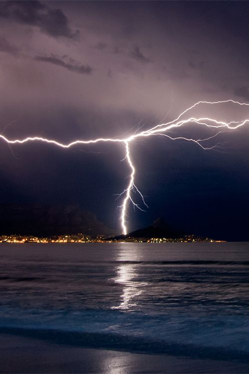 Lightning over Cape Town - South Africa (by Warren Tyrer)