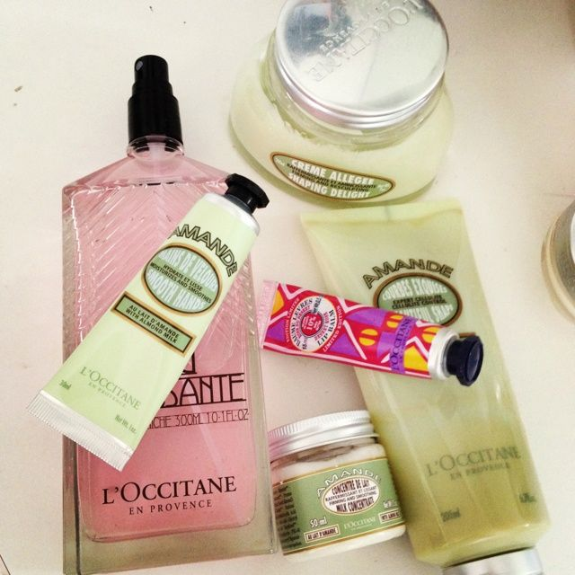 Do you love #L'Occitane as much as I do? Such great products! Here is your chance to pick up a free sample of their shower oil in store: http://free.ca/free-samples/locciane-almond-shower-oil/