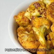 Блюда из цветной капусты постные Цветная капуста с креветками и грибами  Для приготовления нам понадобится: 300-500 г очищенных креветок, 300 г шампиньонов, цветная капуста, 1 сладкий болгарский перец, 50 г лука-порея, 1 зубчик чеснока, 1 ст. л. соевого соуса, 1 ст. л. картофельного крахмала, соль, сахар.