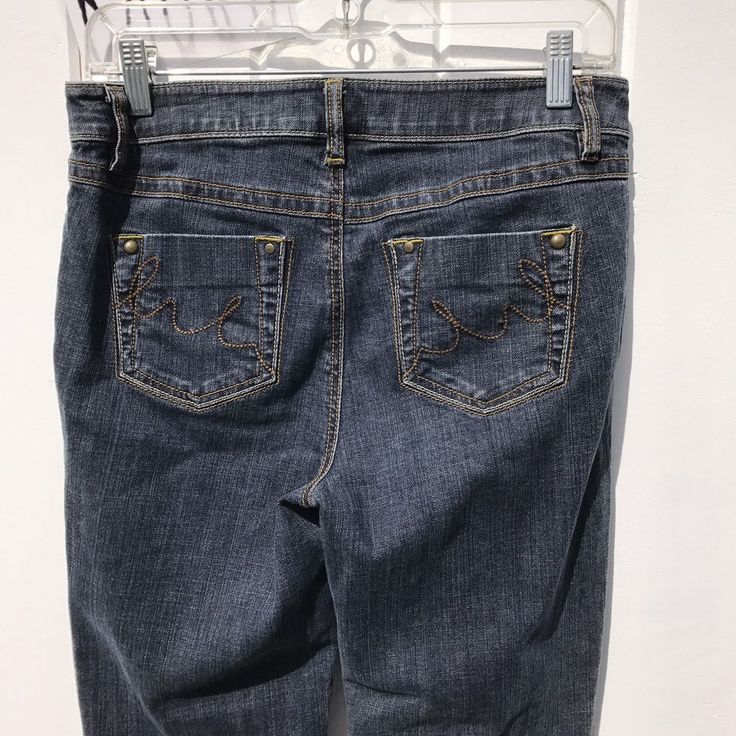 CAbi Jeans 920R Contemporary Fit Medium Wash Women's Bootcut Jeans - Size 4 #CAbi #BootCut