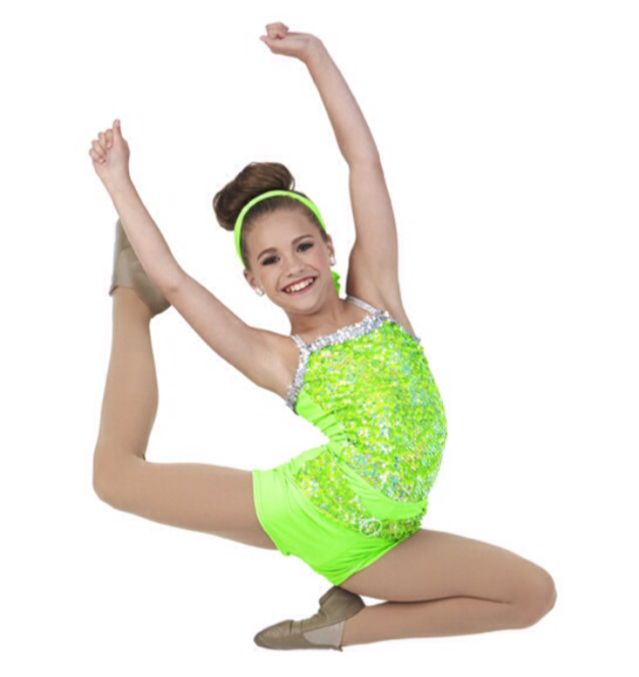 Hey! I'm Mackenzie Grier!!! I'm 14 and single. I'm a dancer and a singer. My singing name is Mack Z! I have 4 sisters and 1 brother!!! Intro??