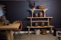 Naast diverse vintage meubelen vindt u ook de juist decoratie om uw woonkamer helemaal in te richten naar uw landelijke style.
