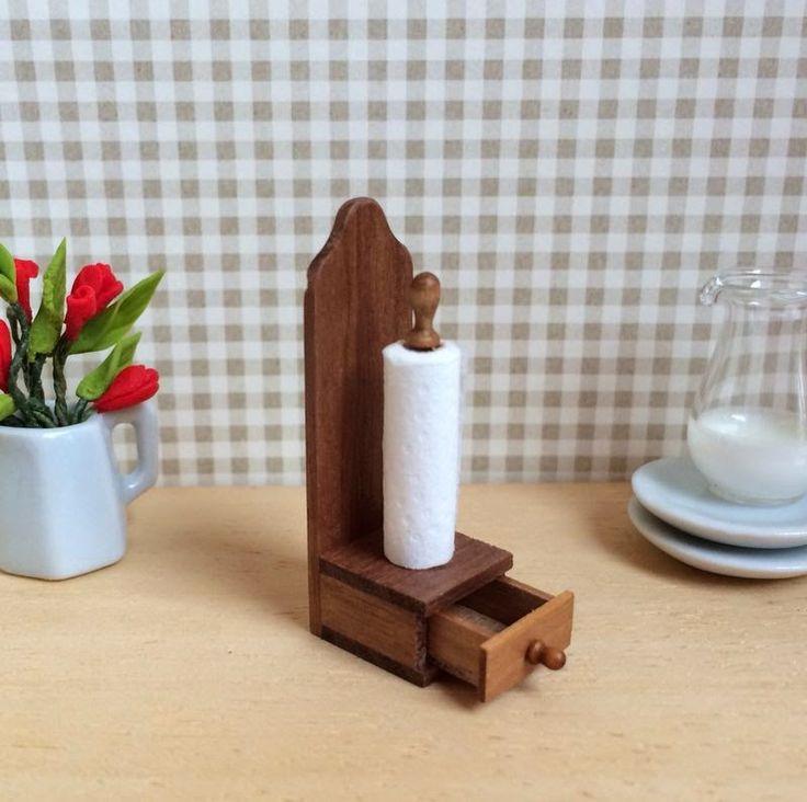 El blog de una maravillosa artesana miniaturasmjose: PORTARROLLOS DE COCINA CON CAJÓN