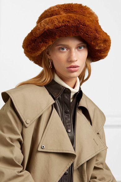 b08862d7f78218 Emma Brewin - Faux fur bucket hat in 2019 | Miley Cyrus | Hats, Faux ...