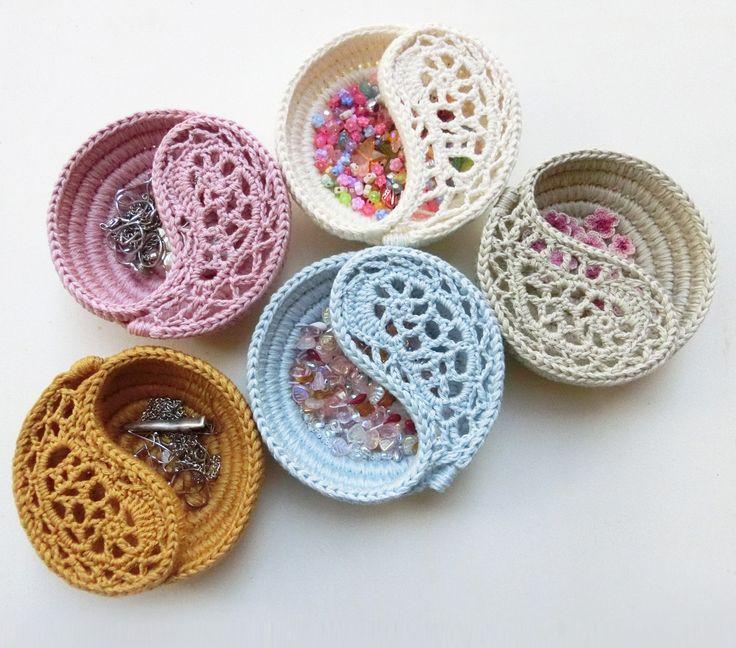 DIY Patterns & Tutorials Crochet Bowl Freeform Crochet by goolgool