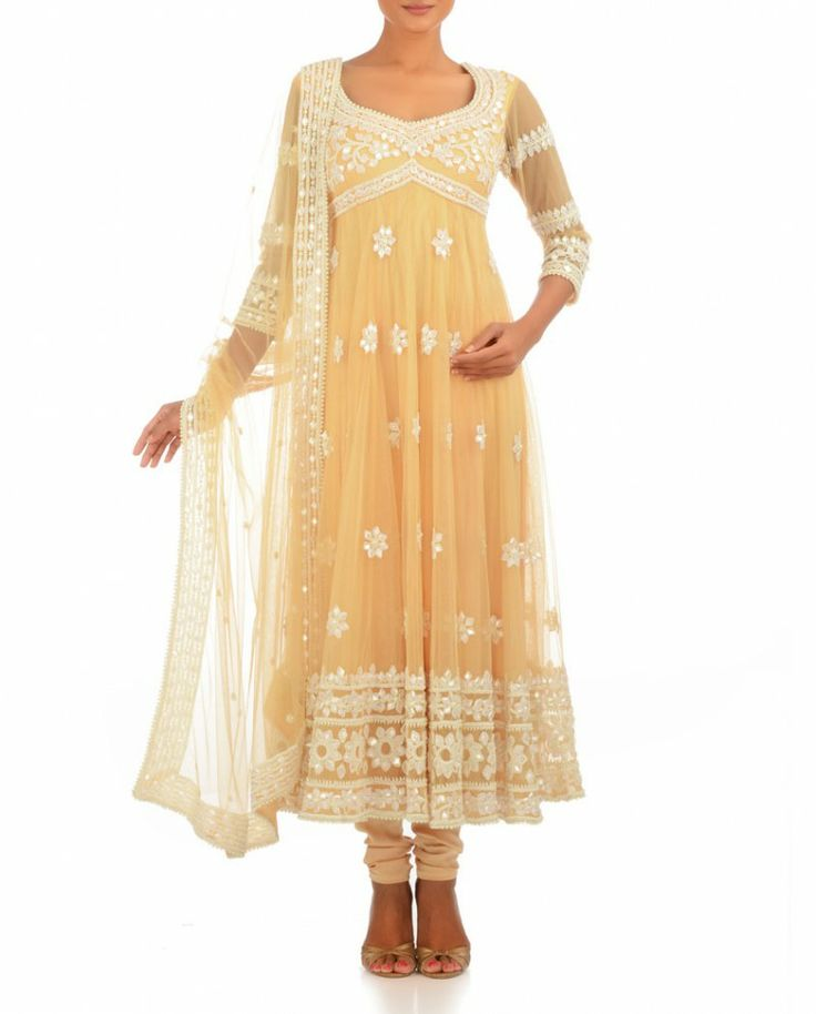 OMG!! This in Chikankari!!! Will look absolutely fabulous!