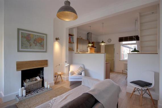 Millhouse Woods Lane Cottingham 2 Bed Terraced House 139 500