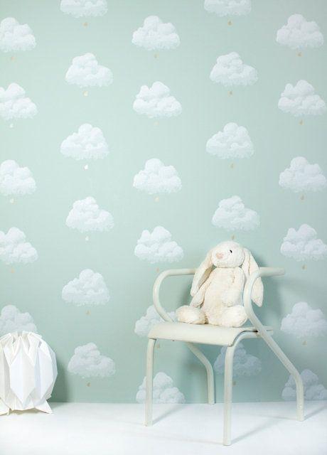 Schattig behang in pastel met wolkjes. Super voor een unisex babykamer
