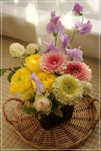 『【今日の贈花】お母さまへ お見舞いのお花』http://ameblo.jp/flower-note/entry-11765069467.html