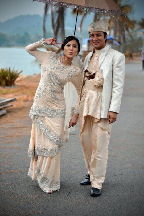 modern take to the baju kurung
