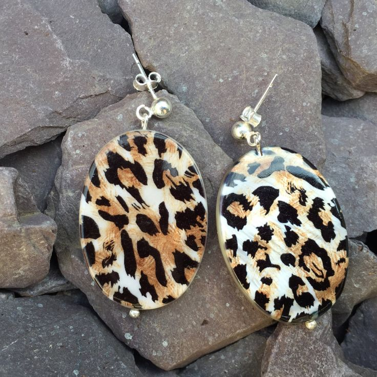 Leopard print mother of pearl silver earrings// animal print earrings//trendy print earrings// by Orchardbeads on Etsy