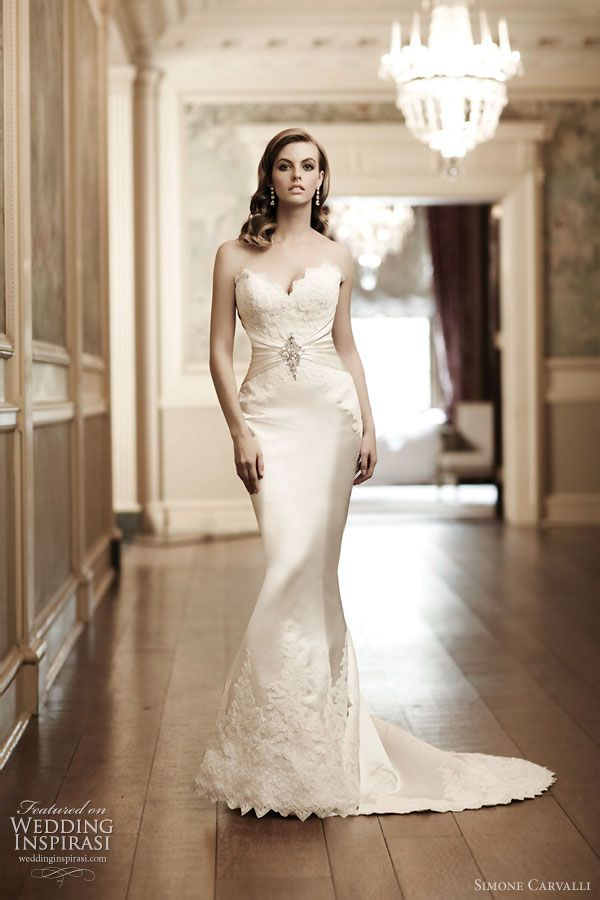 Wedding dress with sexy sweetheart neckline with scallop lace edge, patched lace hem at the skirt. From Simone Carvalli bridal gown collection