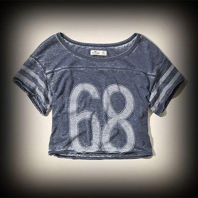 Hollister レディース Tシャツ  ホリスター Alcazar Varsity T-Shirt Tシャツ  ★今季新作アイテム!ヴィンテージ感が人気のアメカジブランドHollister。入手困難なアメリカ限定アイテム展開中! ★カジュアルな雰囲気でいろんなコーデに合わせやすいTシャツです!